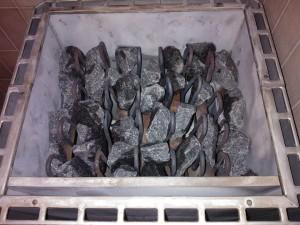 Lado uudet kivet väljästi ilmankierron varmistamiseksi