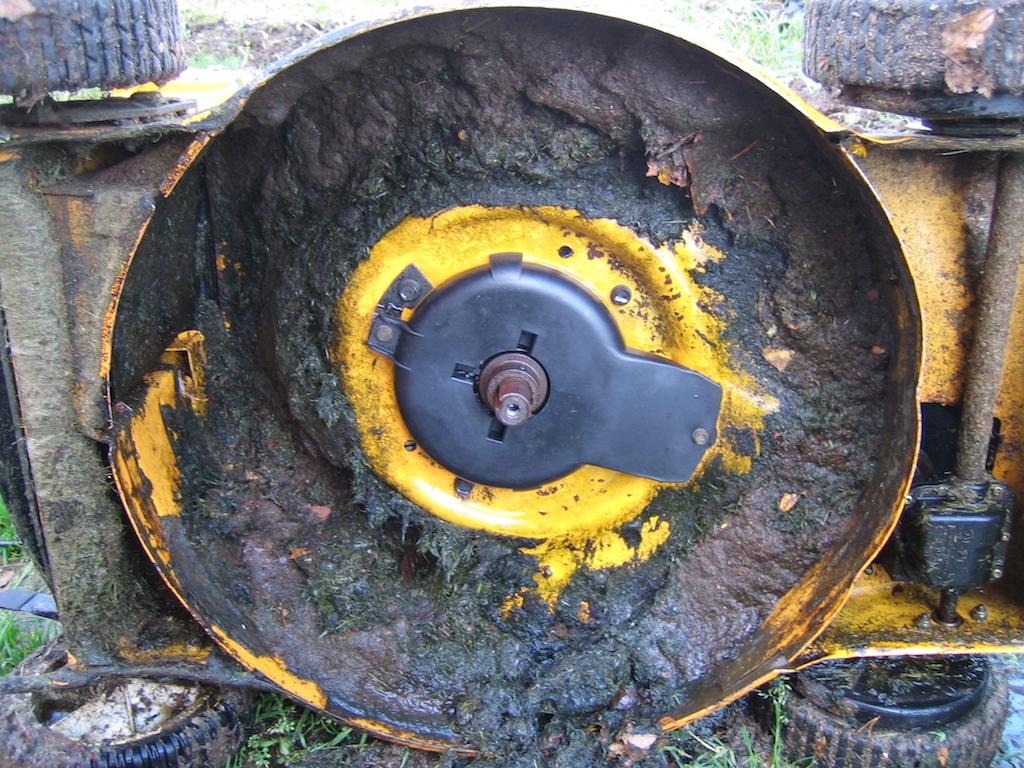 Ruohonleikkuri öljynvaihto